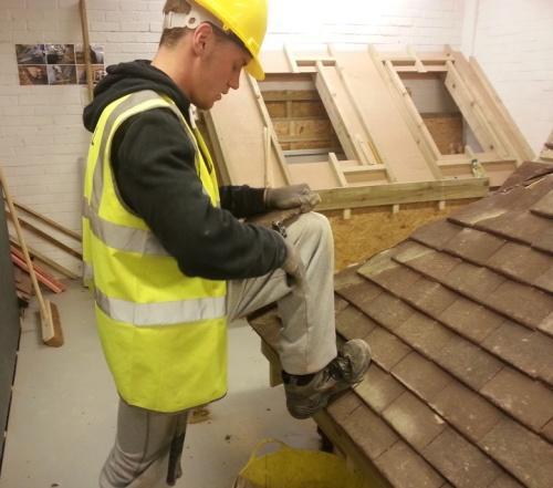 Cutting plain tiles